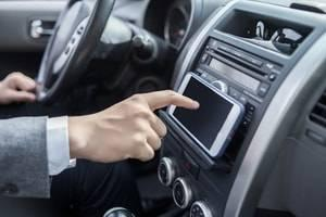 DuPage County auto accident lawyer, auto accidents, distracted driving, texting while driving, car crash
