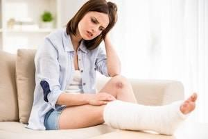 DuPage County slip and fall attorneys, slip and fall accident, accidents and social media, accident recovery, existing injuries