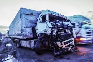 truck accident, DuPage County truck accident attorney, Illinois truck accident, truck safety violations, personal injury claim